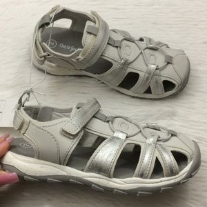 Cat & Jack Girls Sz 2 Gray Water Shoes